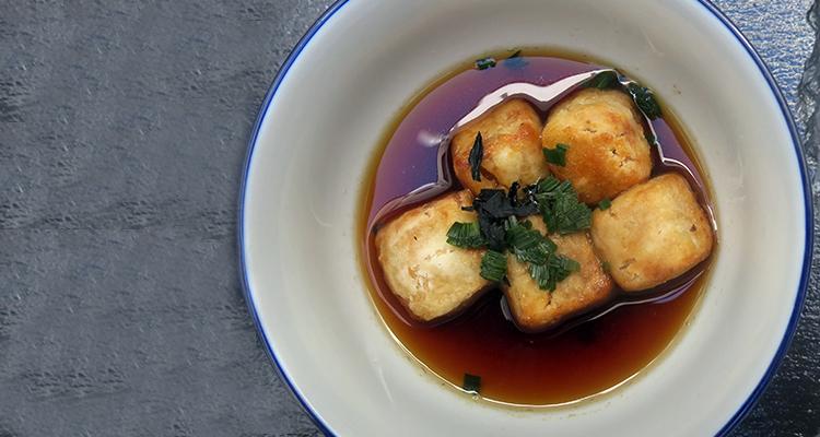 Tofu fregit amb salsa