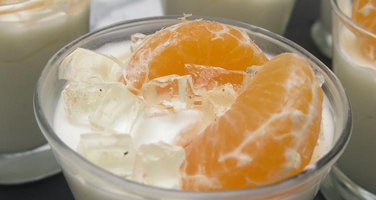 Gotet de mousse de llimona, gelatina de cava i mandarina